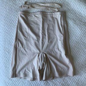 Medical grade postpartum girdle never worn